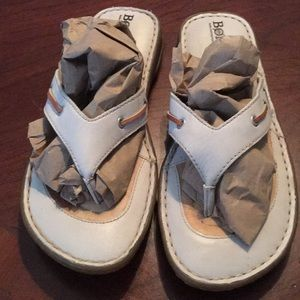New! BORN hand crafted footwear 7 M